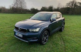 Volvo XC40 D3 AWD - Volvo Vehicle News Reviews Videos